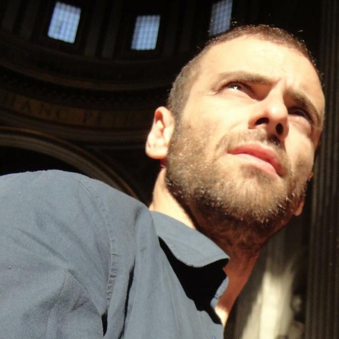 En busca de... Lisandro Bera, actor, director, guionista y dramaturgo